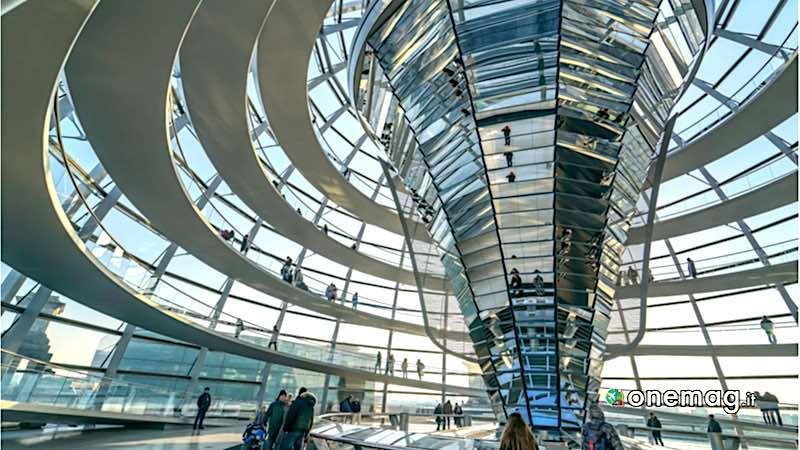 Il Reichstag di Berlino, veduta interna della cupola