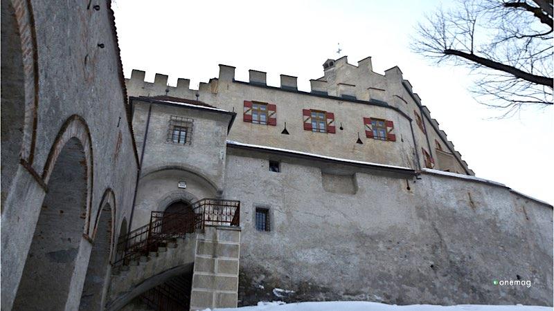 Il Castello di Brunico, veduta esterna laterale