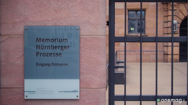 Il Palazzo di Giustizia di Norimberga, ingresso