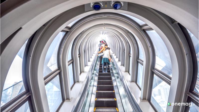 Umeda Sky Builing Osaka, salita all'osservatorio