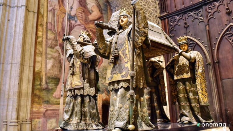 Cattedrale di Santa Maria della Sede: Tomba di Cristoforo Colombo