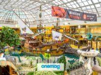 Il West Edmonton Mall, il centro commerciale più grande del Nord America