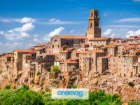 Pitigliano, un pittoresco borgo sulle colline toscane
