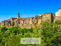 Pitigliano, un caratteristico borgo sulle colline toscane