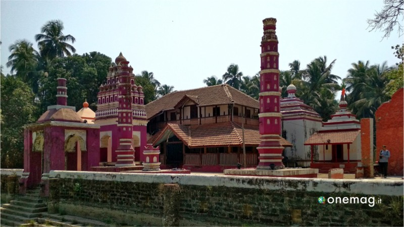 Guida di Alibaug, India