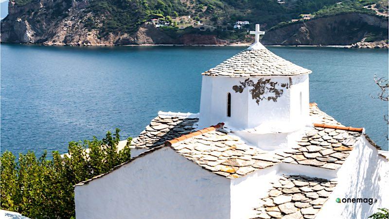 Cosa vedere a Skopelos, Monastero di Evangelistria