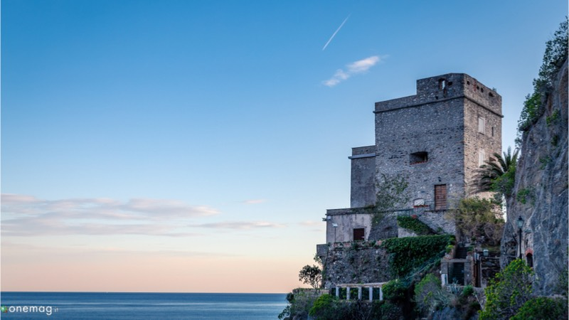 Cosa vedere a Monterosso al Mare, Torre Aurora