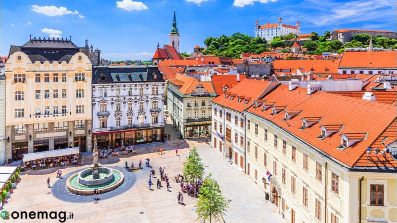 Le 10 cose da vedere a Bratislava, Hlavné námestie