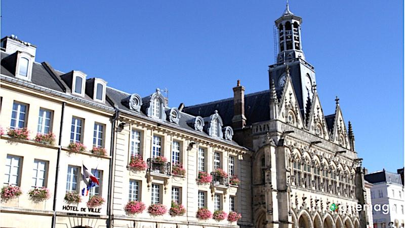 Piccardia, l'antica provincia nel Nord della Francia, il Municipio di aint-Quentin