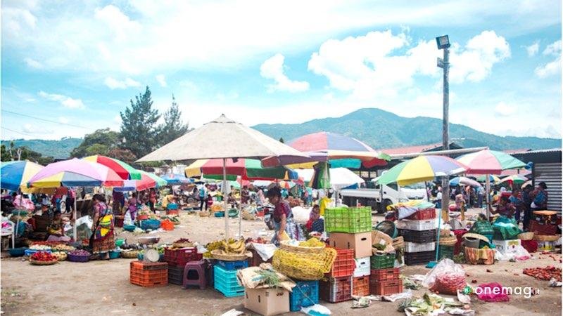 La gastronomia del Guatemala, un tipico mercato