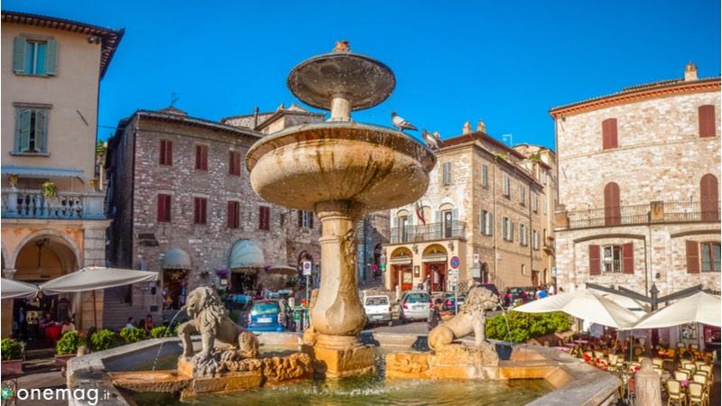 Assisi Piazza del Comune