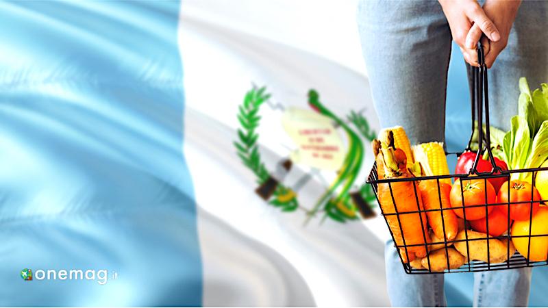 La gastronomia del Guatemala, carrello con sfondo della bandiera