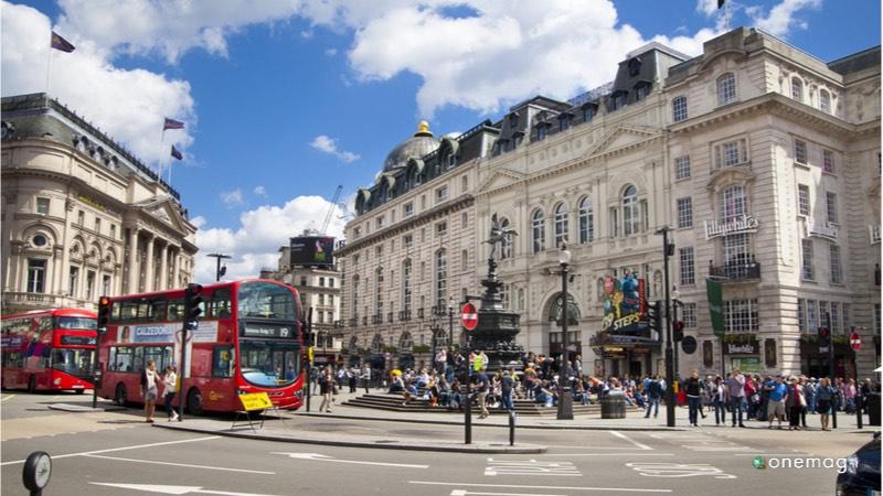 Le 10 cose da vedere a Londra, Piccadilly Circus