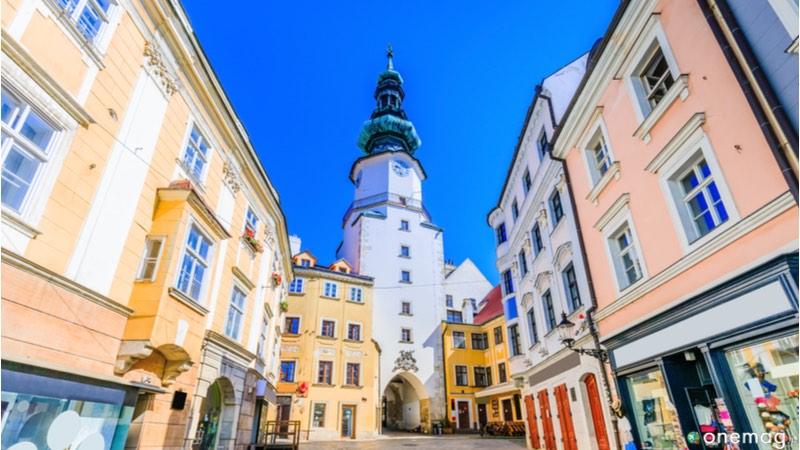Le 10 cose da vedere a Bratislava, Porta di San Michele