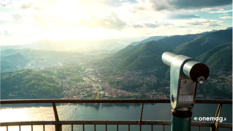 Cosa vedere a Brunate, la terrazza di Como