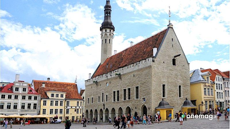 Tallinn, piazza del Municipio