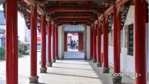 Tempio di Guiyuan, colonne esterne