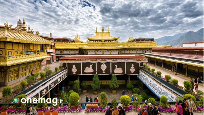 Visitare Lhasa, cosa vedere nella capitale del Tibet, il Tempio Jokhang