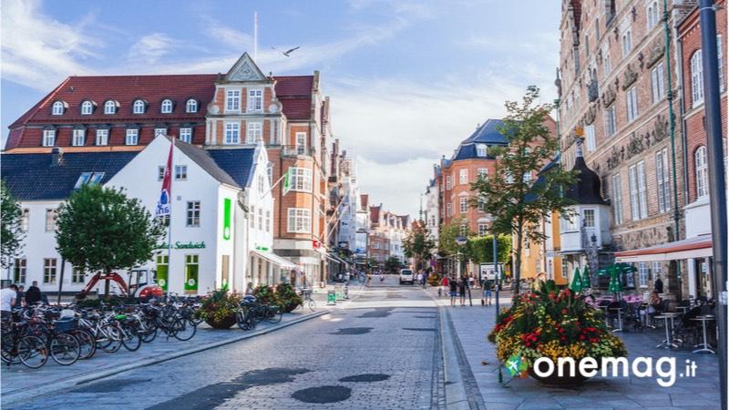 Aalborg, cosa fare e vedere, Jomfru Ane Gade