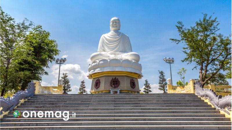 Cosa vedere a Nha Trang, la statua di Buddha bianco del Santuario Long Son