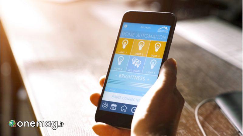 Gestire accensione delle luci con app