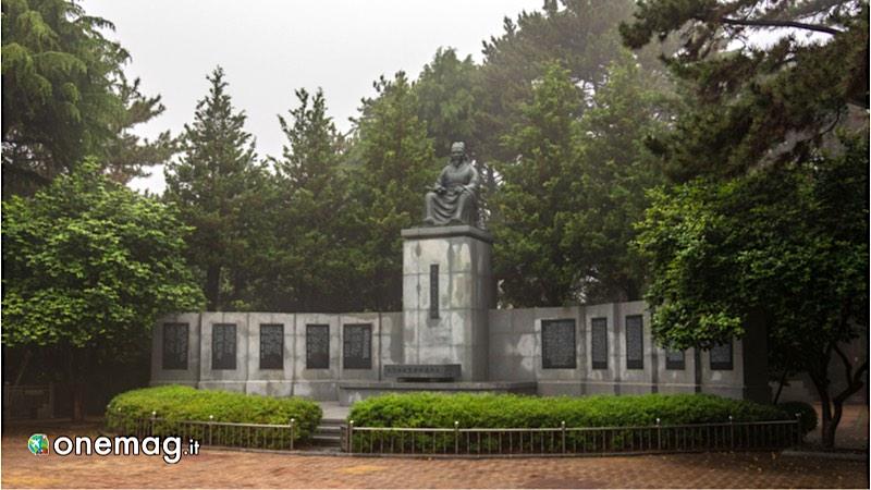 Isola Dongbaek, Monumento a Choe Chiwon