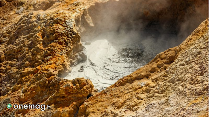 Sulphur Works, Lassen Volcanic Park, California