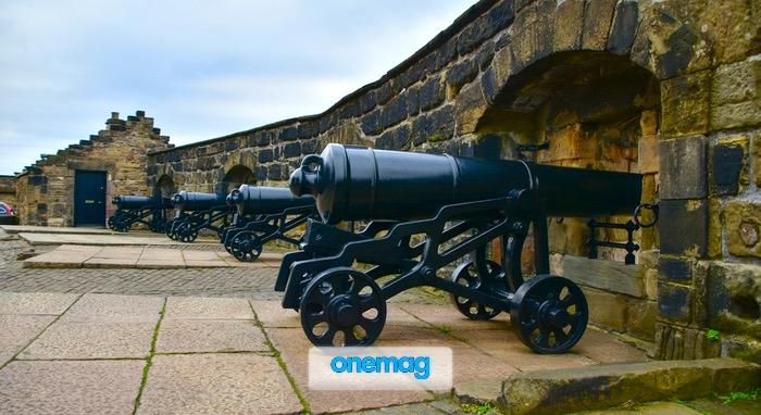 Cannoni nella Half Moon Battery, Castello di Edimburgo