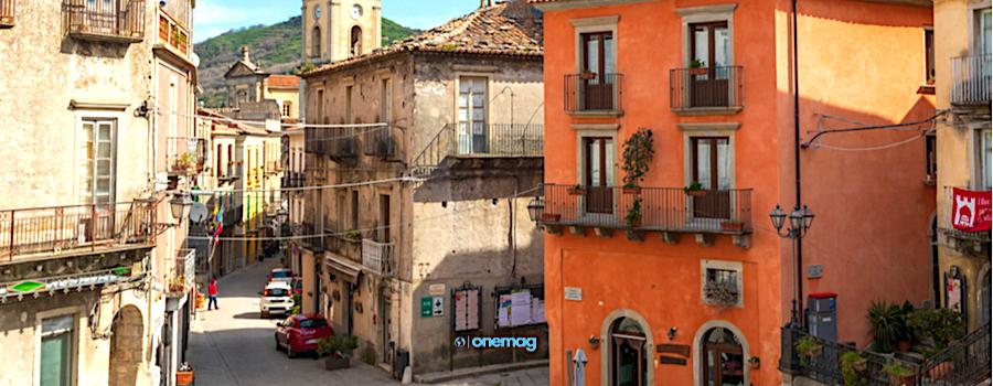 Cosa vedere a Francavilla di Sicilia, veduta del centro storico
