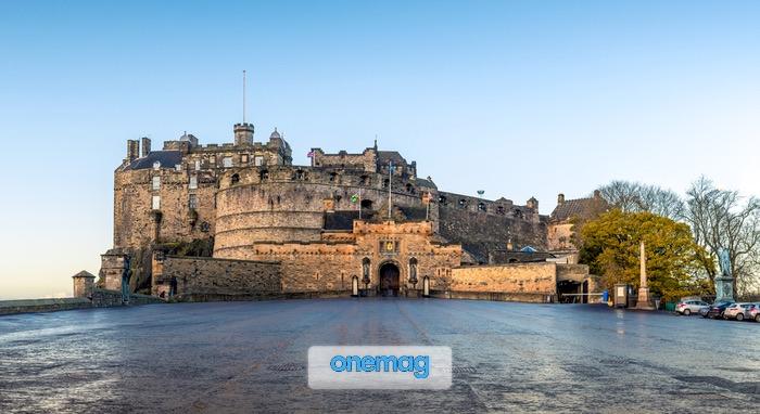 Il Castello di Edimburgo in una fredda mattina autunnale