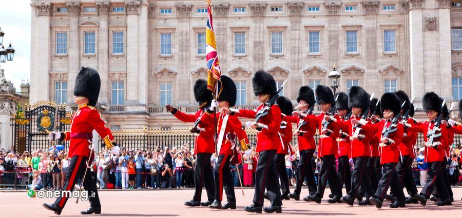 Buckingham Palace, Cambio della Guardia