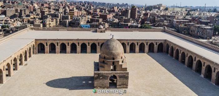 Cortile interno della Cortile interno Moschea di Ahmad Ibn Tulun