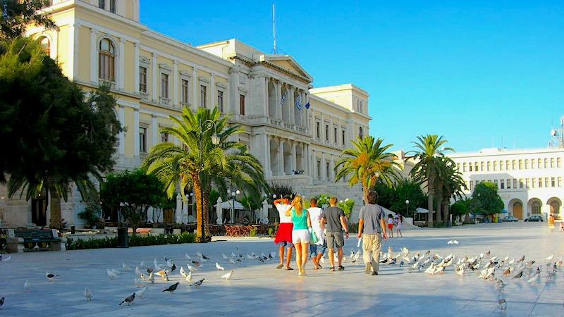 Cosa visitare a Syros, il Municipio di Ermopoli