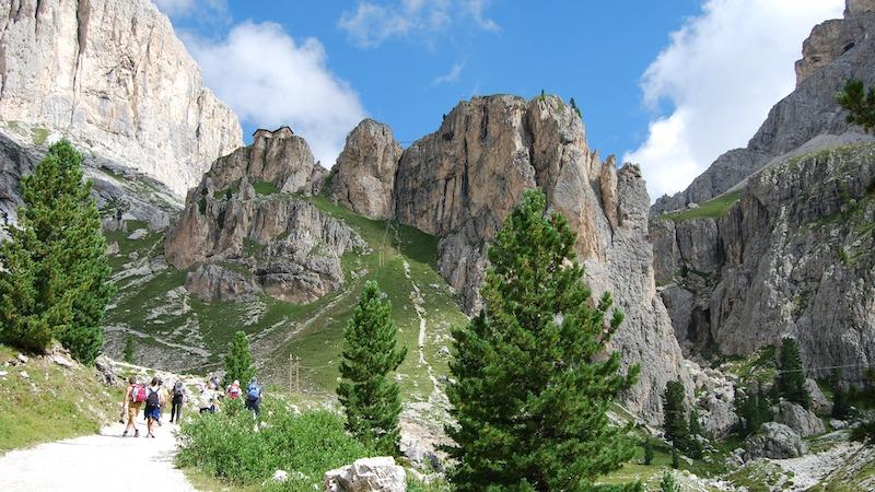 Torri del Vajolet, panorama su un sentiero