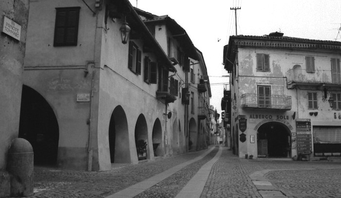 Cosa vedere ad Agliè, veduta storica piazza