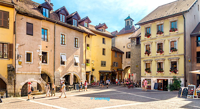 Cosa vedere ad Annecy, Place Georges Volland