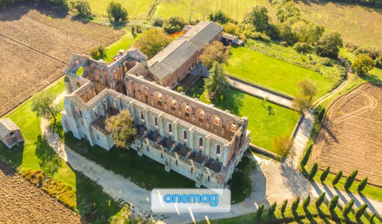 Abbazia di San Galgano, Chiusdino | L'affascinante abbazia della spada nella roccia in Toscana