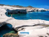 La spiaggia di Sarakiniko, Milos   La spiaggia di Milos dall'aspetto lunare