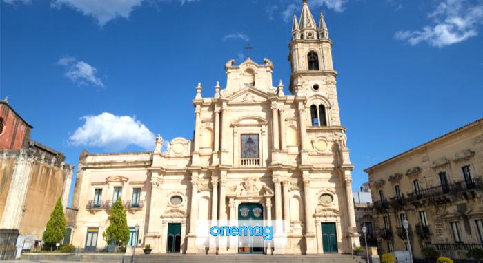 Cosa vedere ad Acireale, Basilica dei Santi Pietro e Paolo